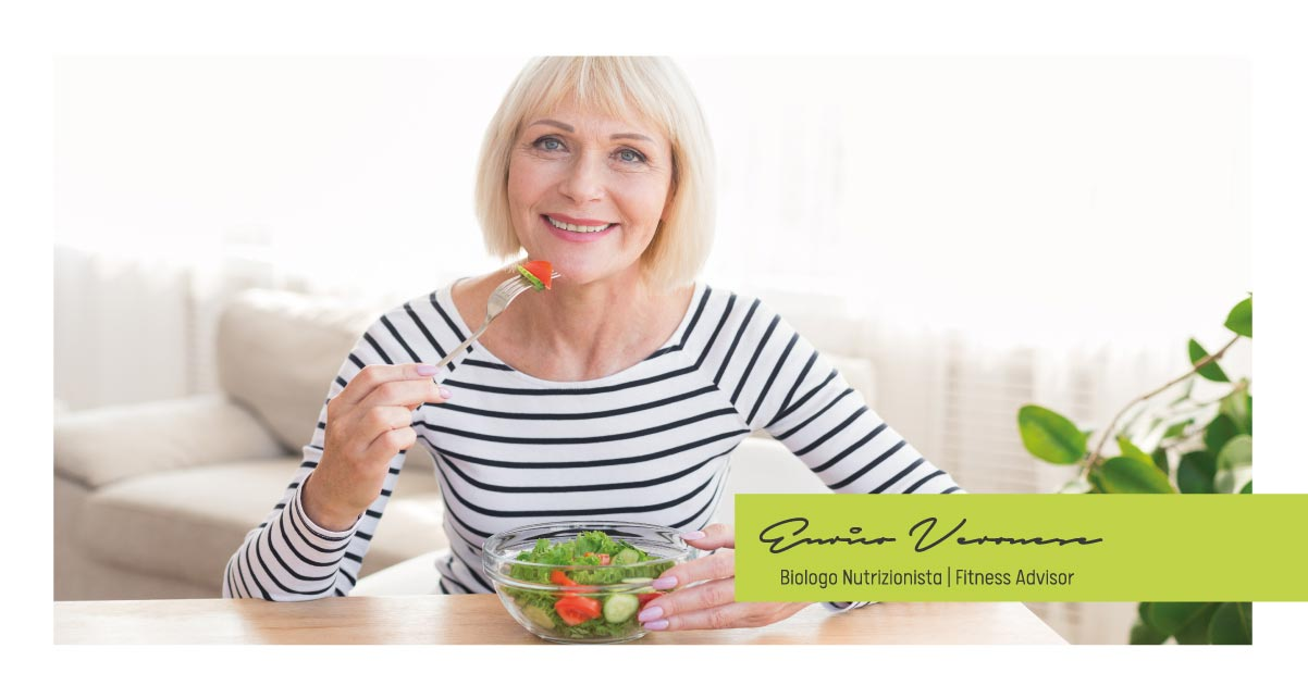 Alimentazione in menopausa: allevia i tuoi disturbi mangiando
